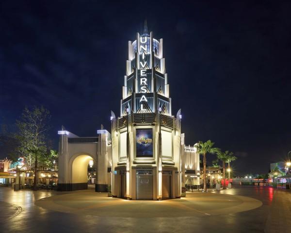 USH Universal Plaza_night
