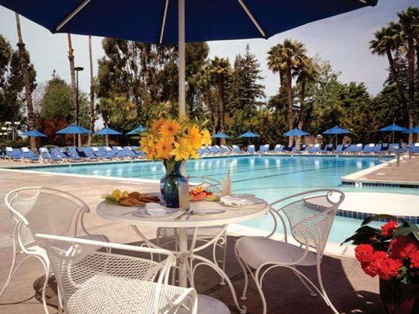 Pool-Claremont